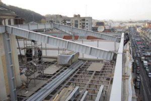 ломаная крыша с аттиковой стеной
