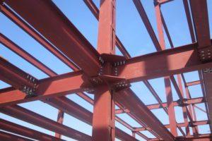 крепление балок к колонне металл