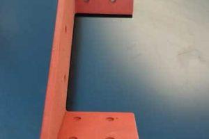 изготовление металлических уголков кронштейнов
