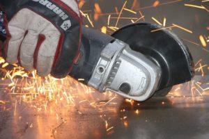 Механічна різання листового металу