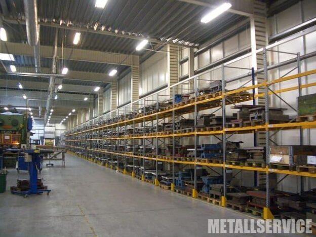 Металлические стеллажи